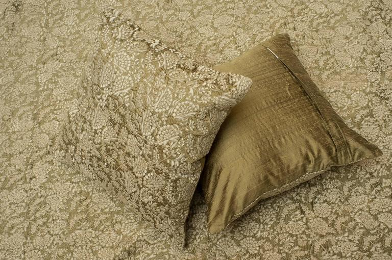 Anglo-Indian Elegant Embroidered Silk Bed Cover, Full of Pillows For Sale