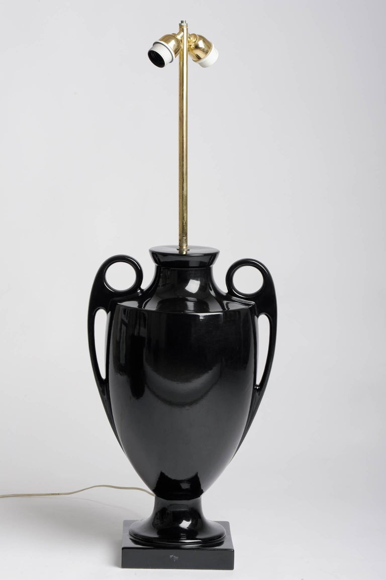 Vintage Italian elegant ceramic table lamp, designed by Fred Estienne. nr. 99.