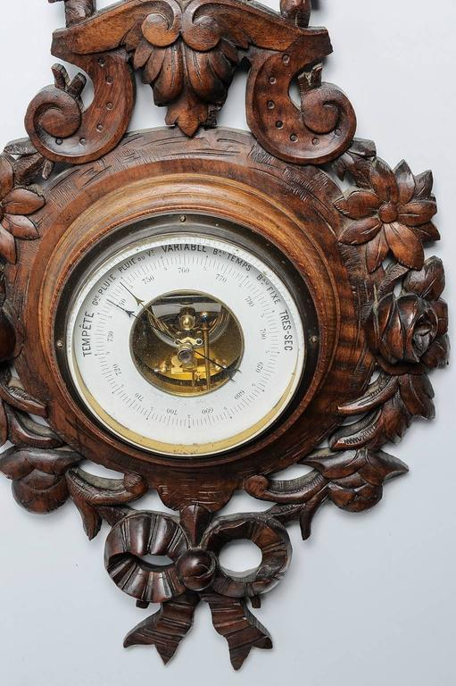 Old French barometer with love knot, suitable in your kitchen or study room or.....everywhere. It is useful because working and beautiful to admire. Completely hand carved. Good price. O/7660.