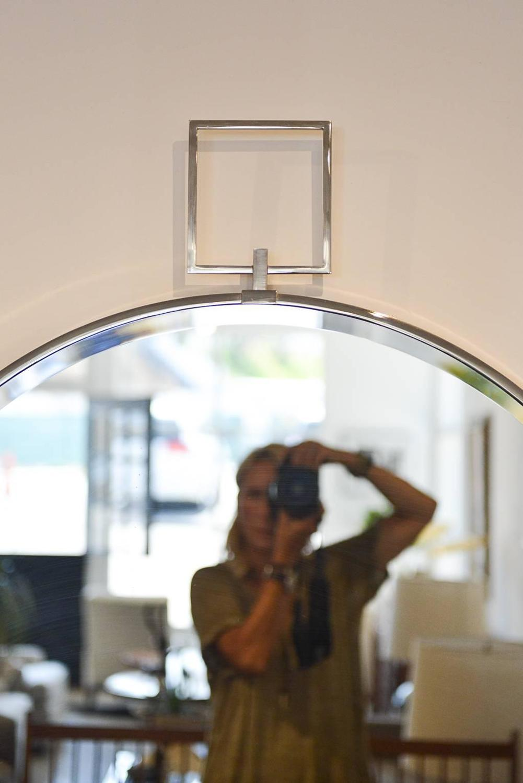 beveled glass and chrome mirror for sale at 1stdibs. Black Bedroom Furniture Sets. Home Design Ideas