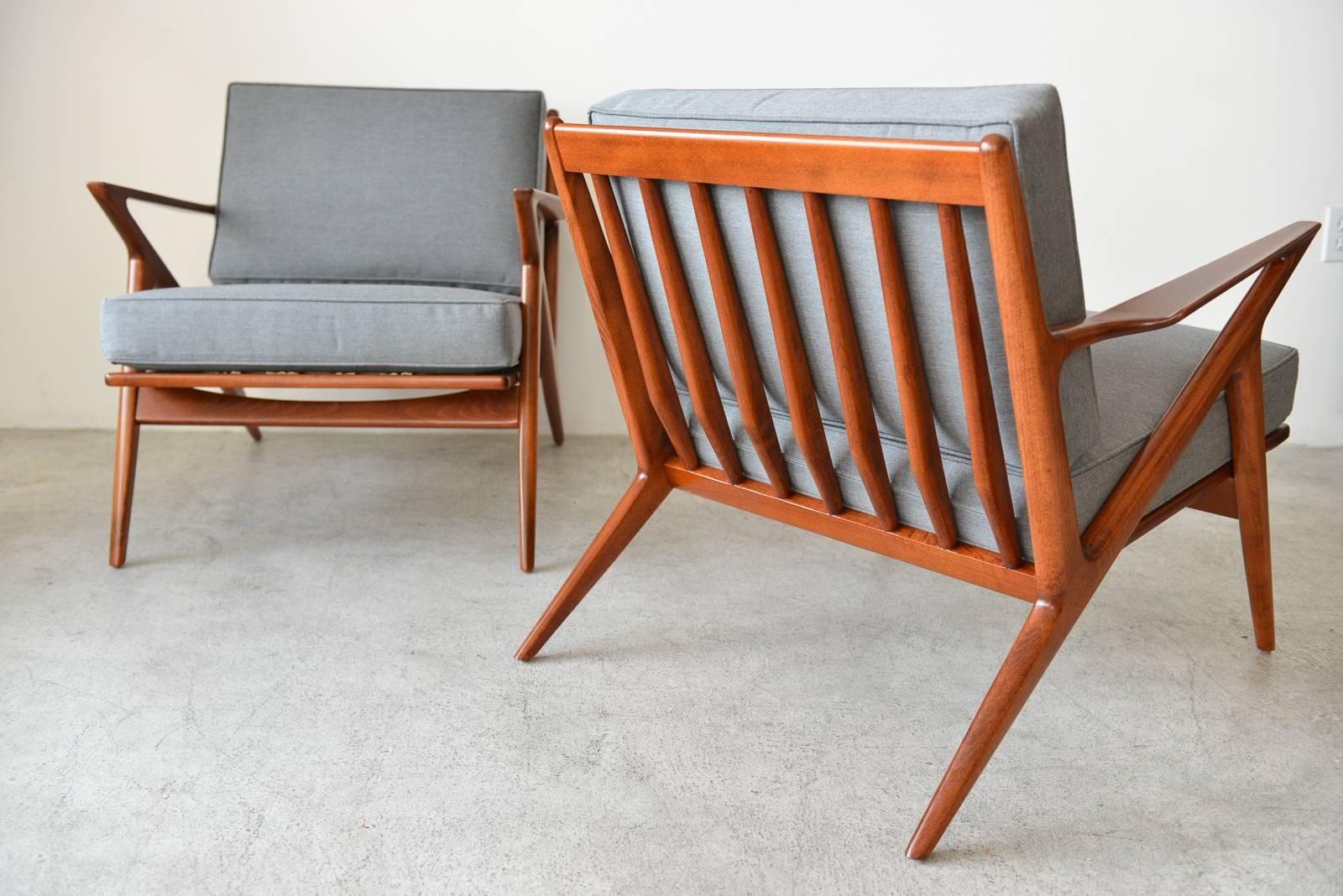 Mid Century Modern Pair Of Original Poul Jensen U0027Zu0027 Chairs By Selig,