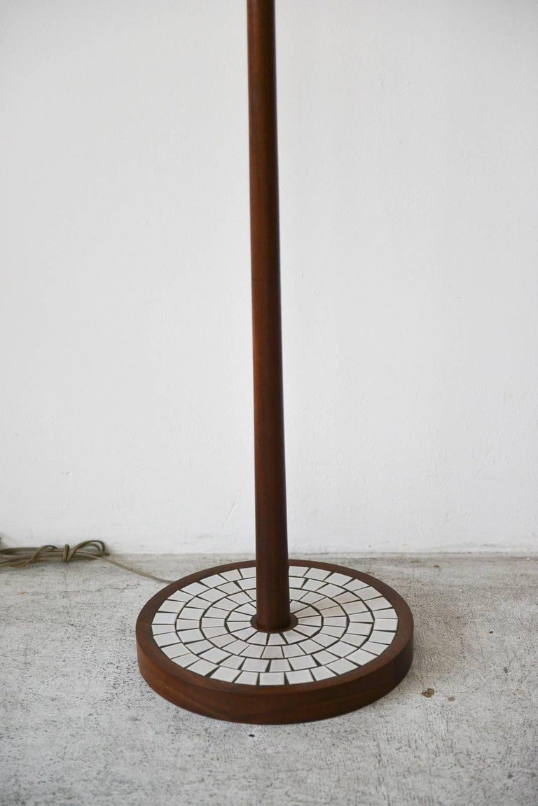 Mid-Century Modern Walnut Floor Lamp by Gordon and Jane Martz, Marshall Studios, circa 1965 For Sale