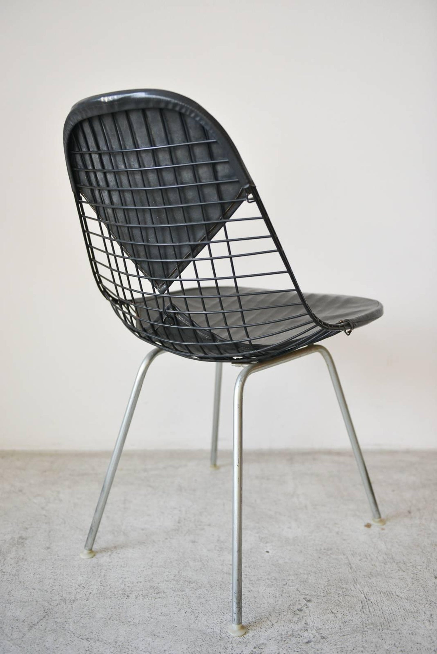 Eames DKX-2 Vintage Wire Chair with Leather Bikini Cover For Sale at ...