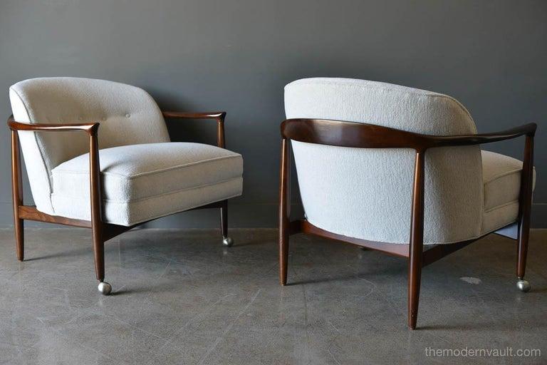Scandinavian Modern Finn Andersen for Selig Denmark Sculpted Barrel Back Lounge Chairs, circa 1960 For Sale