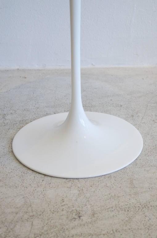 Mid-Century Modern Eero Saarinen for Knoll Tulip Side Table For Sale