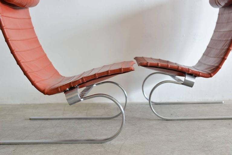 Pair of Poul Kjærholm PK20 Leather Lounge Chairs In Good Condition For Sale In Costa Mesa, CA
