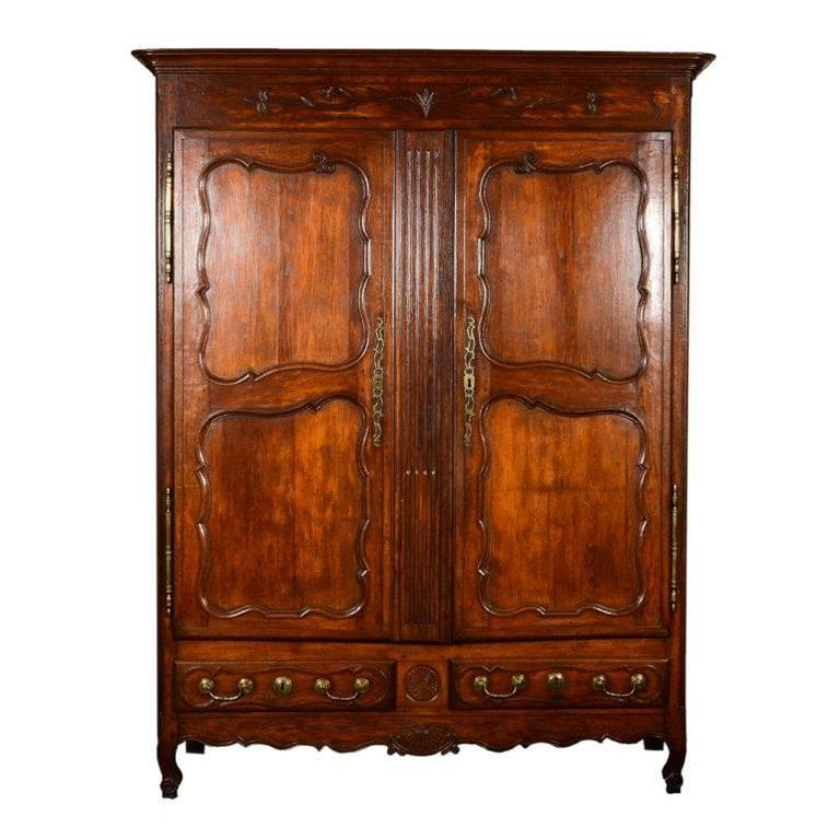 Merveilleux Antique French Armoire, Circa 1860 For Sale