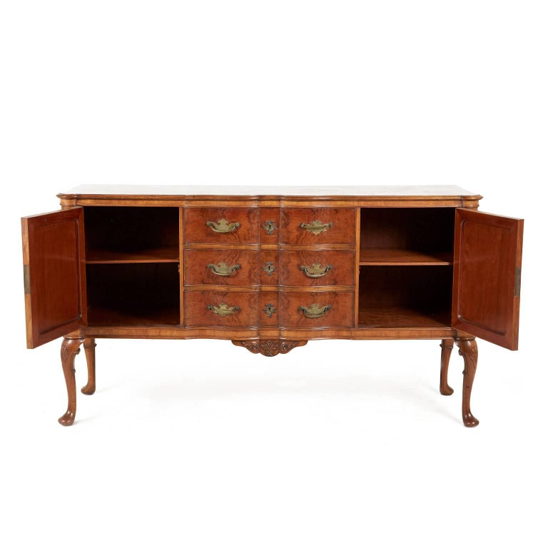Antique queen anne buffet for sale at 1stdibs for Sideboard queens