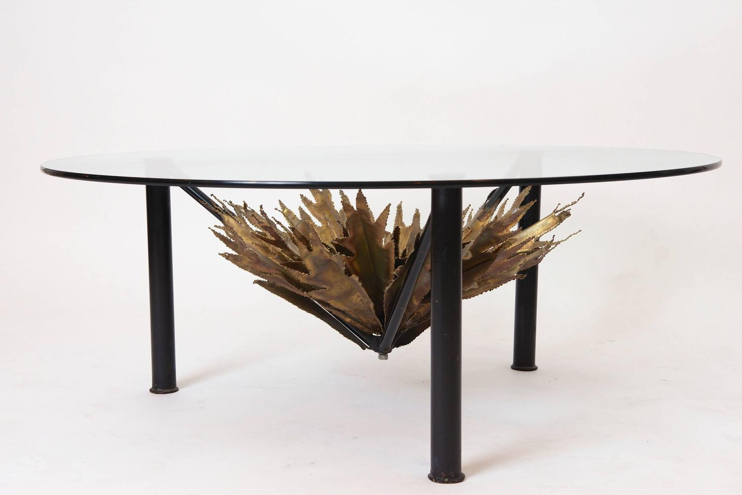 Palm Leaf Circular Coffee Table For Sale At 1stdibs
