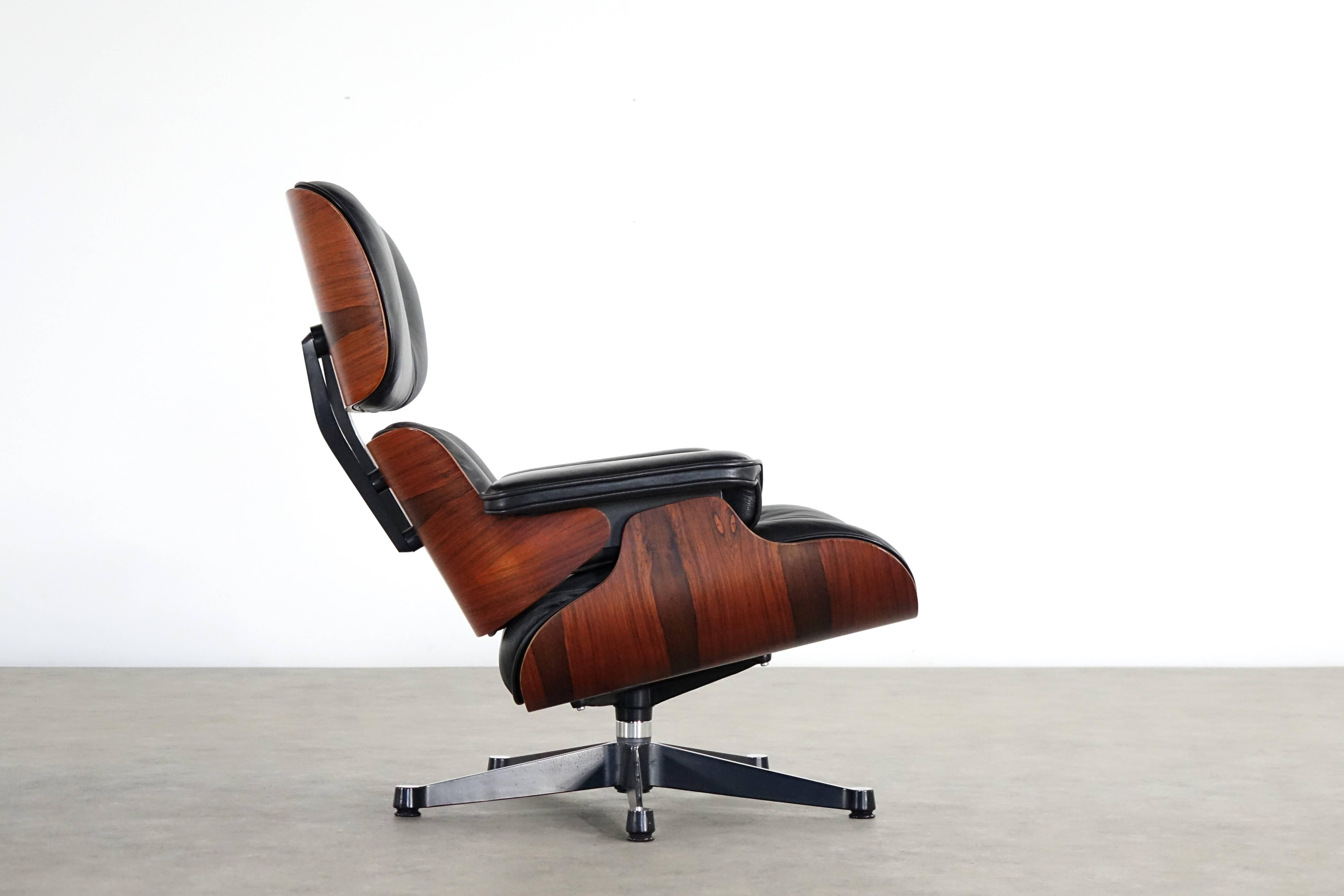 Vitra Chalres Eames : Vitra charles eames lounge chair and ottoman in rio rosewood herman