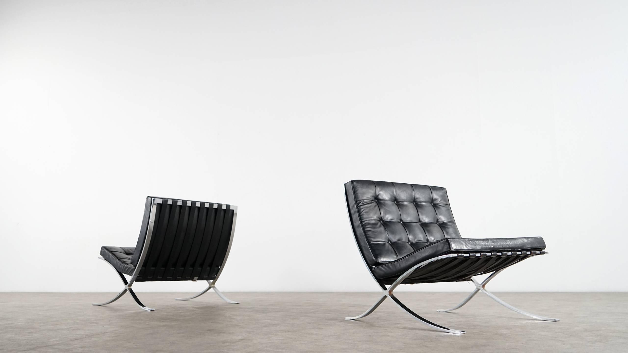 Phenomenal Mies Van Der Rohe Barcelona Chair By Knoll International Ibusinesslaw Wood Chair Design Ideas Ibusinesslaworg