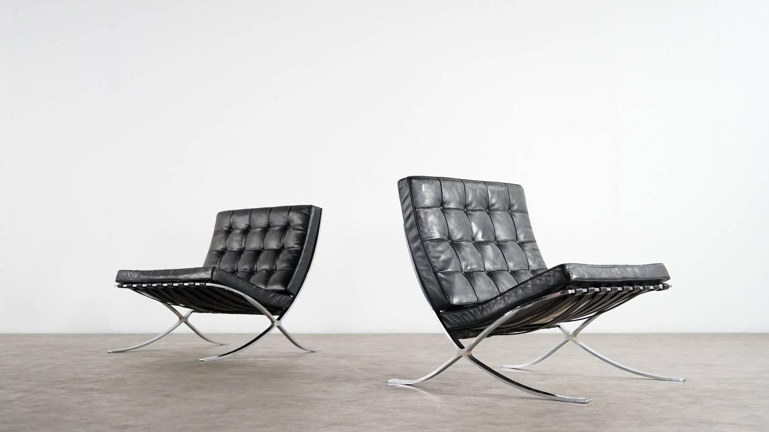 mies van der rohe barcelona chair by knoll international. Black Bedroom Furniture Sets. Home Design Ideas