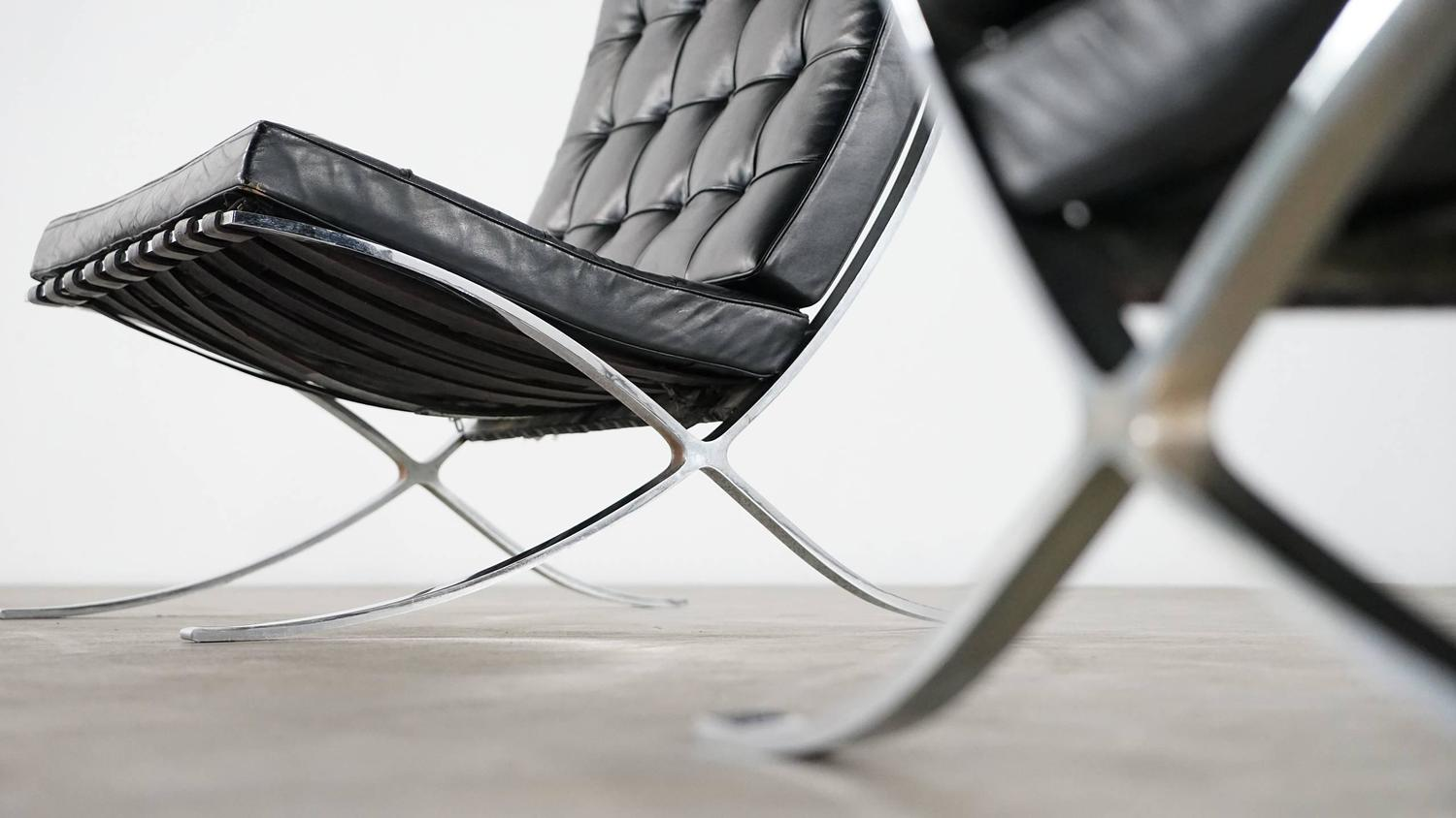 Mies Van Der Rohe Barcelona Chair By Knoll International, Edition 1955 At  1stdibs