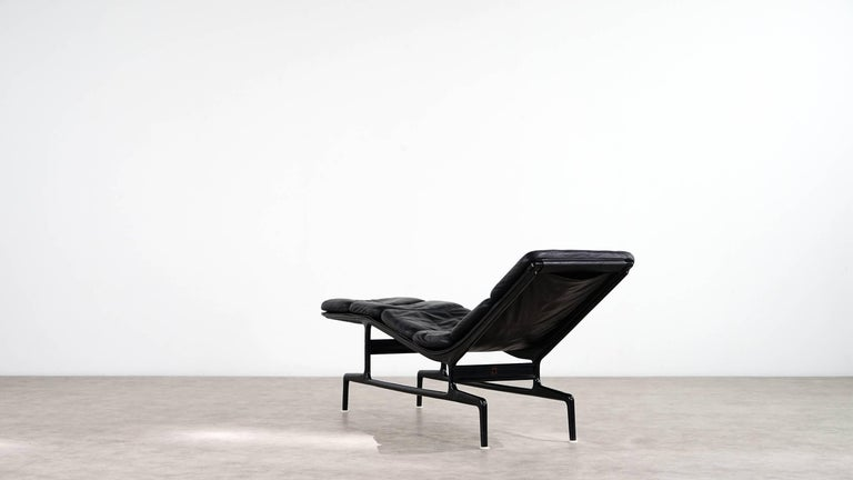 Charles eames softpad chaise daybed 1968 herman miller for billy wilder for - Chaise a bascule charles eames ...