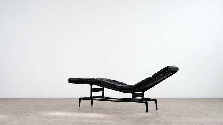 Charles Eames Softpad Chaise, Daybed 1968 Herman Miller for Billy Wilder For Sale 1