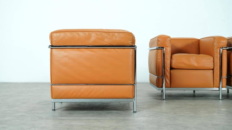 Bauhaus Two Le Corbusier LC2 Lounge Chair by Cassina, Cognac Leather, Signed & Engraved For Sale