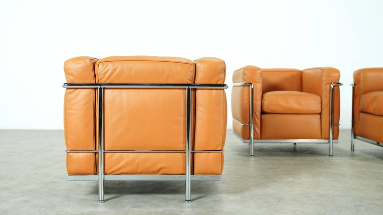 Two Le Corbusier LC2 Lounge Chair by Cassina, Cognac Leather, Signed & Engraved In Good Condition For Sale In Munster, NRW