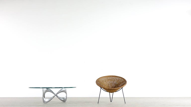 Mid-Century Modern Tripod Rattan Lounge Chair Attributed to Roberto Mango, Italy, 1952 For Sale