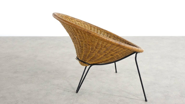 Mid-20th Century Tripod Rattan Lounge Chair Attributed to Roberto Mango, Italy, 1952 For Sale