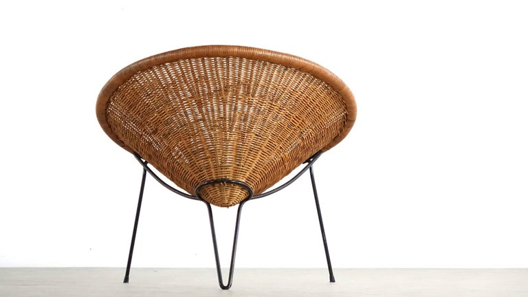 Tripod Rattan Lounge Chair Attributed to Roberto Mango, Italy, 1952 For Sale 2
