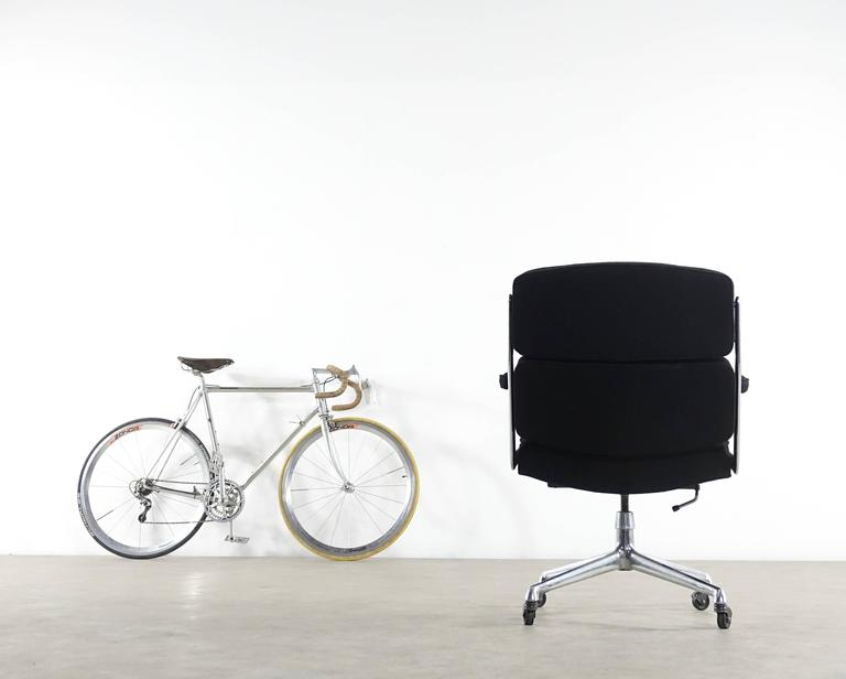 Very Early Time Life Lobby Chair Design Charles and Ray Eames for Herman Miller 10