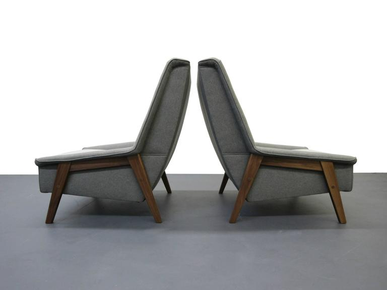 Pair of Mid-Century Lounge Chairs 4