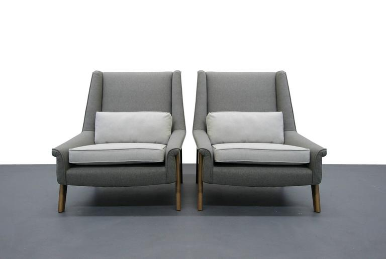 Pair of Mid-Century Lounge Chairs 3