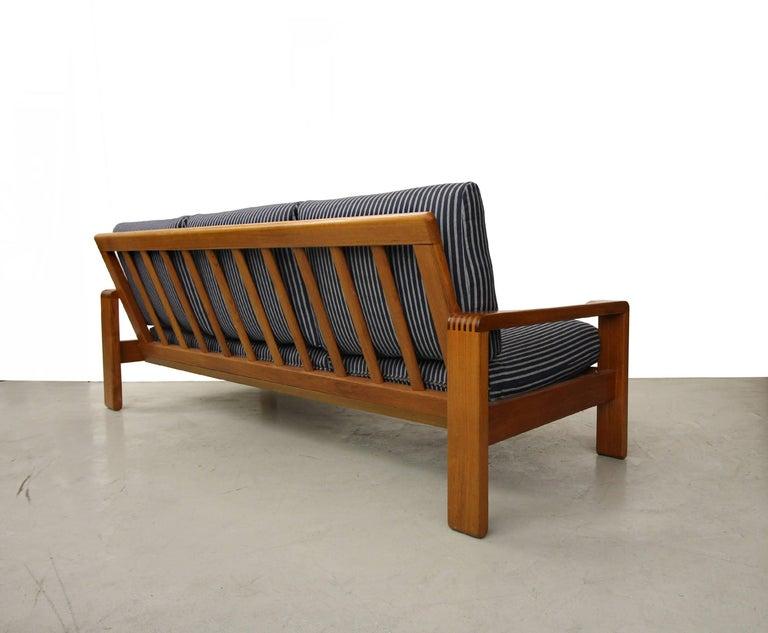 solid danish teak slat back sofa by hw klein for bramin mobler for sale at 1stdibs. Black Bedroom Furniture Sets. Home Design Ideas