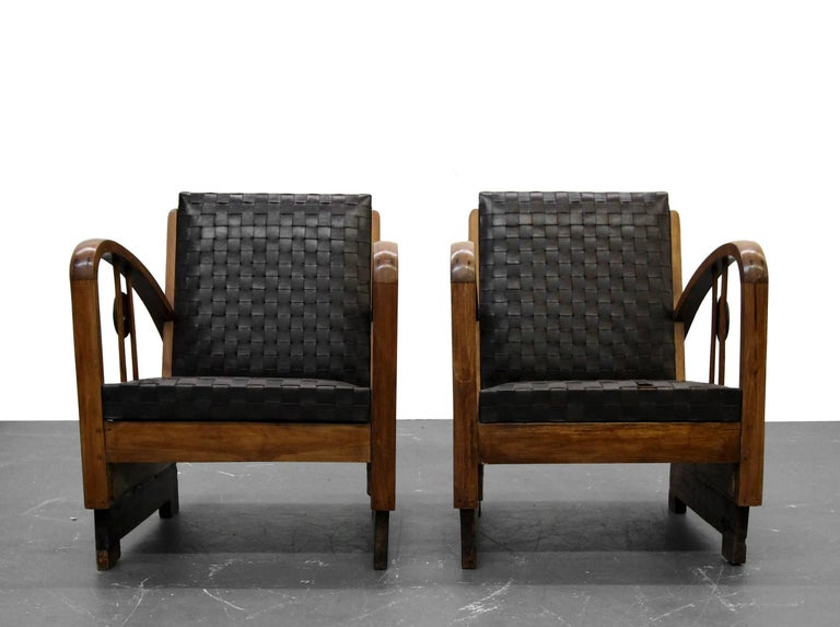 Pair of Antique French Art Deco Bentwood Lounge Chairs with Woven Leather In Excellent Condition For Sale In Las Vegas, NV