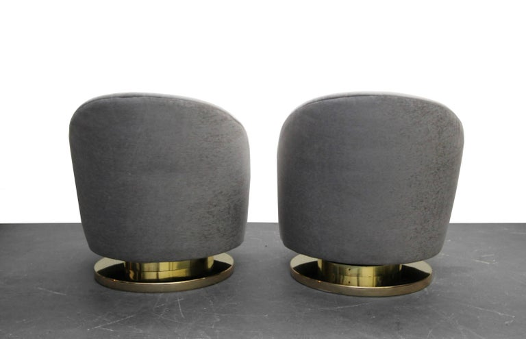 20th Century Midcentury Pair of Swivel Slipper Chairs with Brass Bases by Milo Baughman