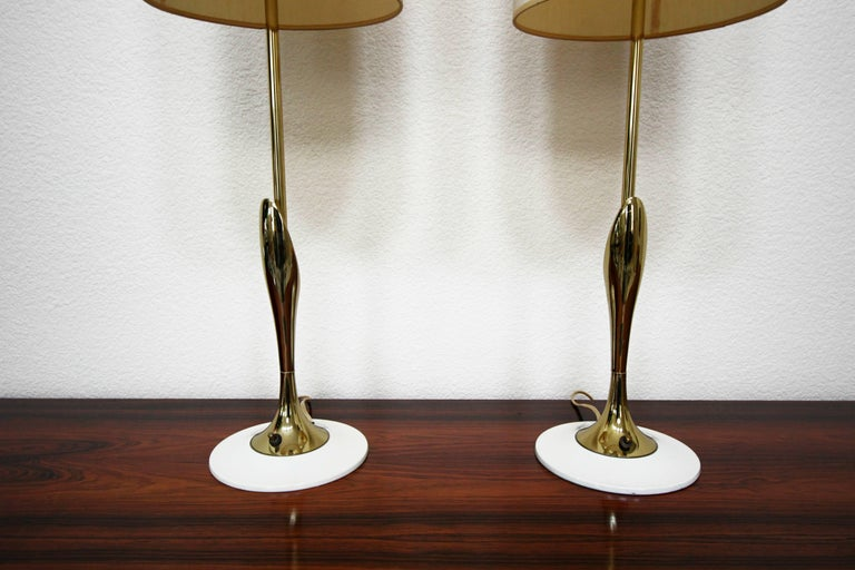 Pair of Midcentury Sculptural Brass Lamps by Laurel Lamp Company In Excellent Condition For Sale In Las Vegas, NV