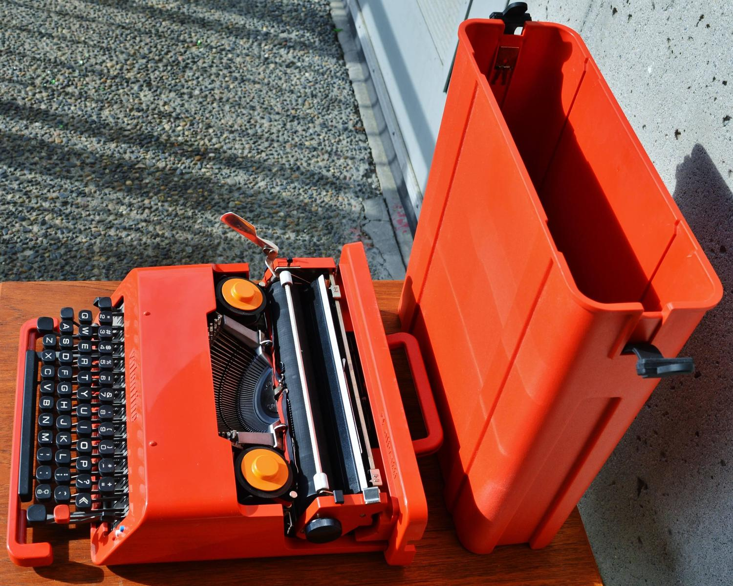 Red Olivetti Valentine Typewriter And Case By Ettore