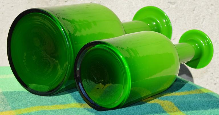 Pair of Green Glass Holmegaard Gulvases by Otto Brauer For Sale 2