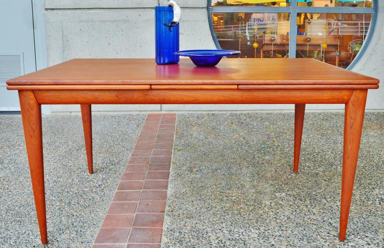 Impeccable No Moller Rare Teak Extending Dining Table With Sexy