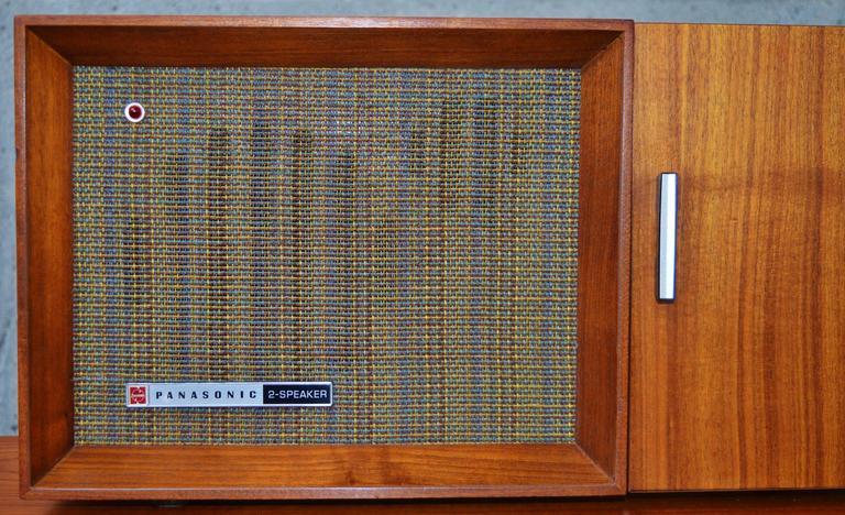 Cool Mid Century Panasonic Re 7487 Am Fm Radio Teak