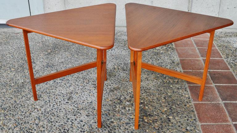 Pair of Danish Teak Illum Wikkelsø Folding Coffee or Side Tables for Silkeborg In Excellent Condition For Sale In New Westminster, British Columbia