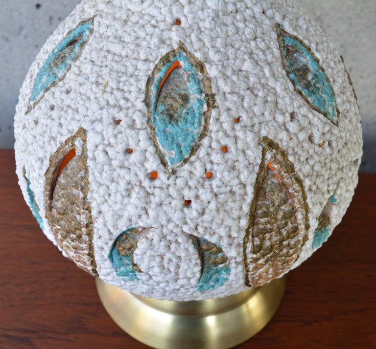 Brass Mid-Century Modern Textured Ceramic Lamp with Leaf Cut-Outs and Lit Base For Sale