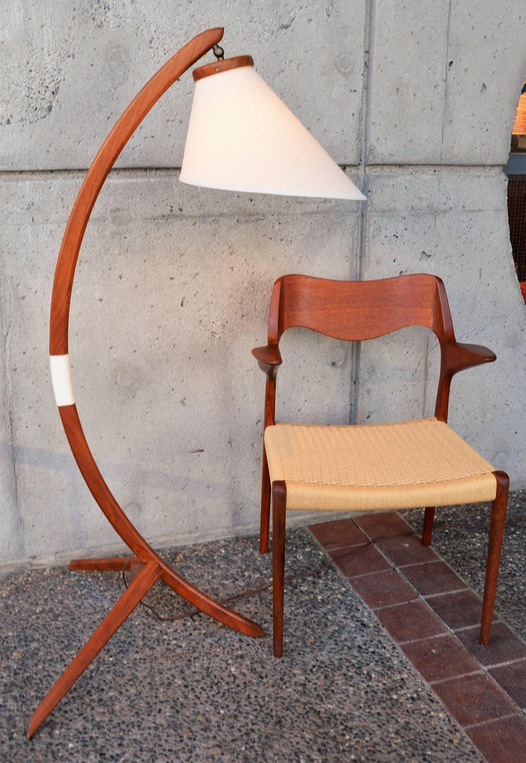 Danish Teak Arc or Bow Tripod Floor Lamp with New Bonnet Shade, Rispal Style In Excellent Condition For Sale In New Westminster, British Columbia