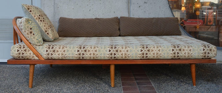 Mid-20th Century Danish Modern Teak & Oak Daybed/Sofa/Chaise/Guest Bed With Matching Pillows For Sale