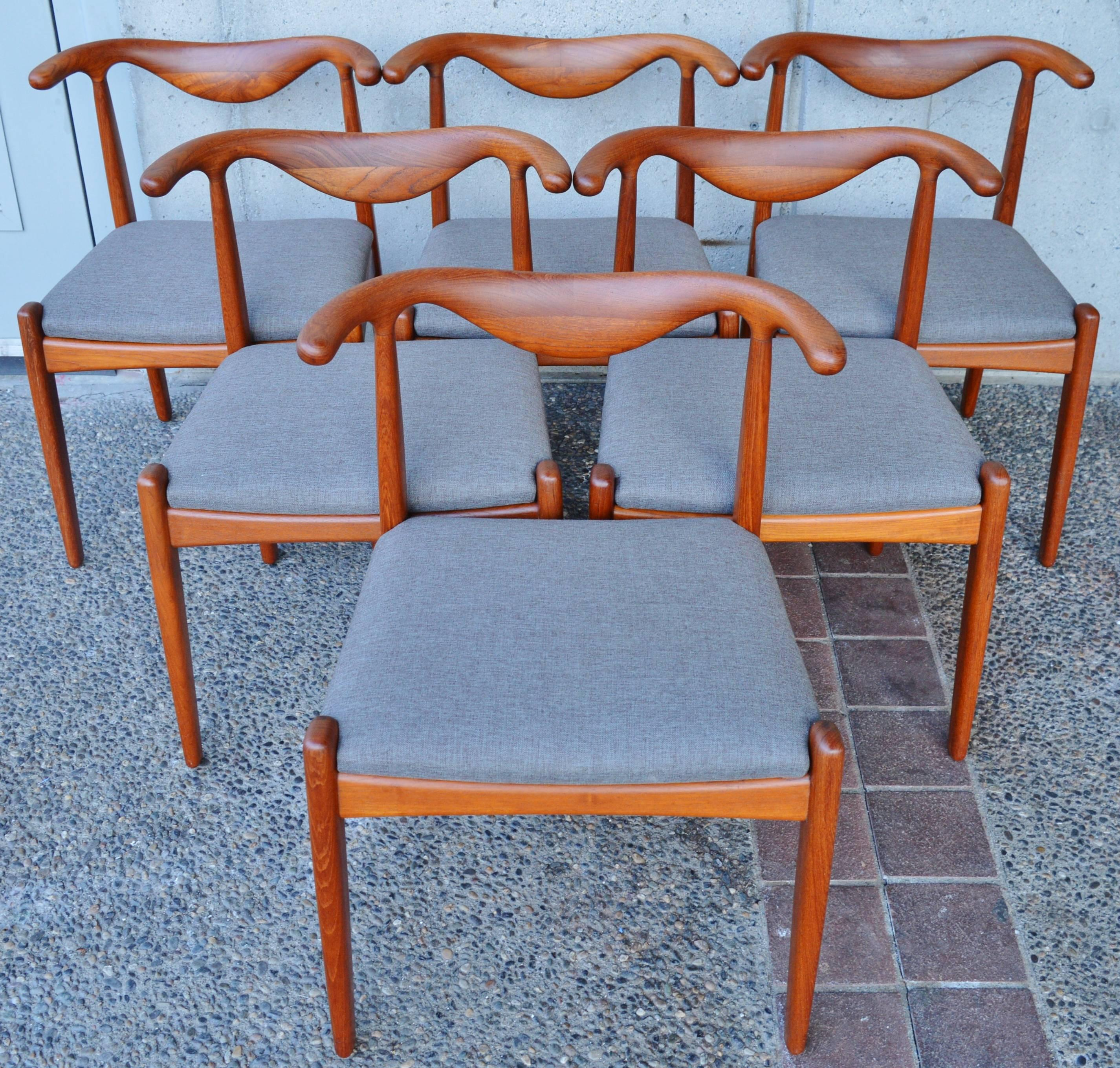 Svend Madsen Teak Cow-Horn Dining Chairs, Set of Six For Sale at 1stdibs