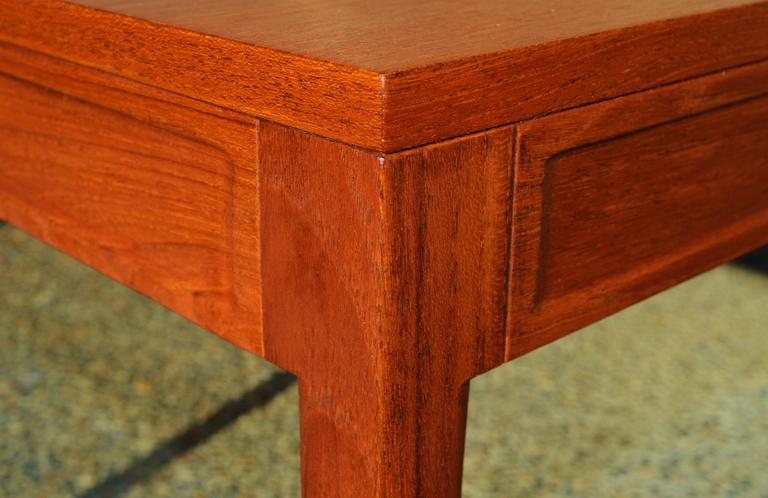 Finn Juhl Teak Diplomat Side Table for France & Son, Denmark In Excellent Condition For Sale In New Westminster, British Columbia