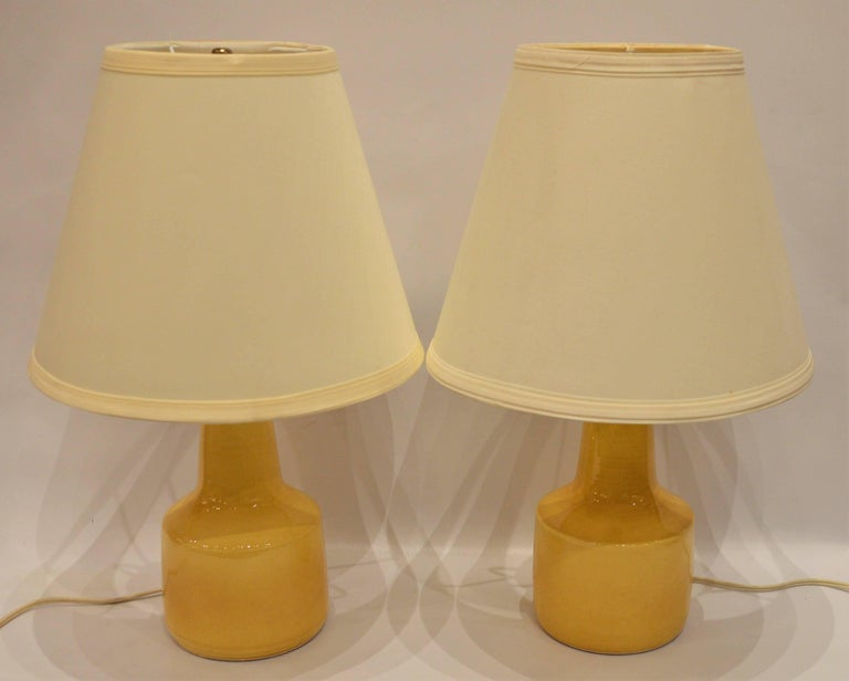 Pair of Small Soft Yellow Lotte and Gunnar Bostlund Ceramic Bedside Lamps For Sale 1