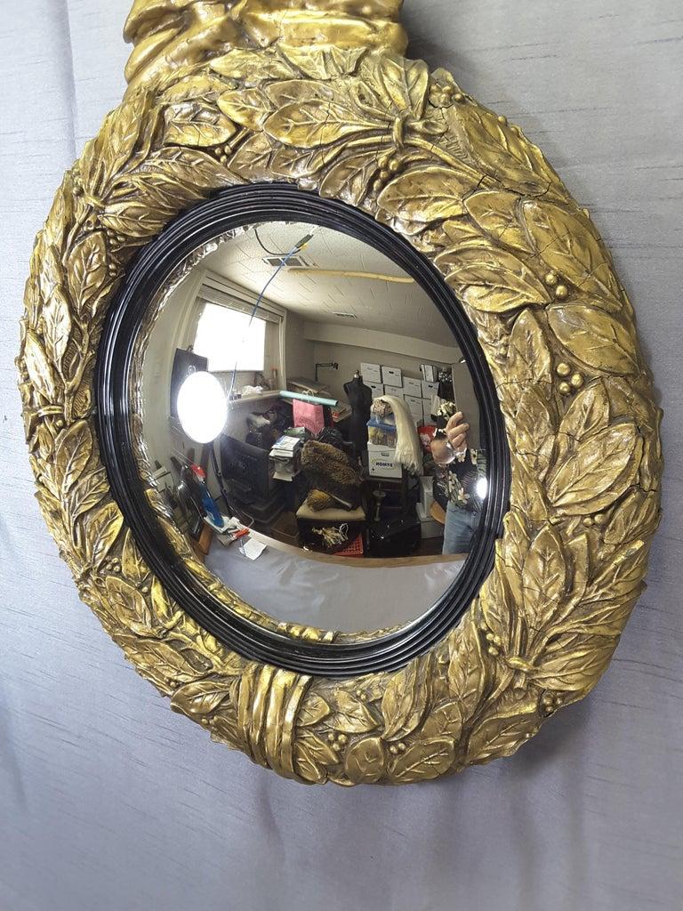 English Regency Eagle Gilt Convex Bullseye Mirror In Good Condition For Sale In Ottawa, Ontario