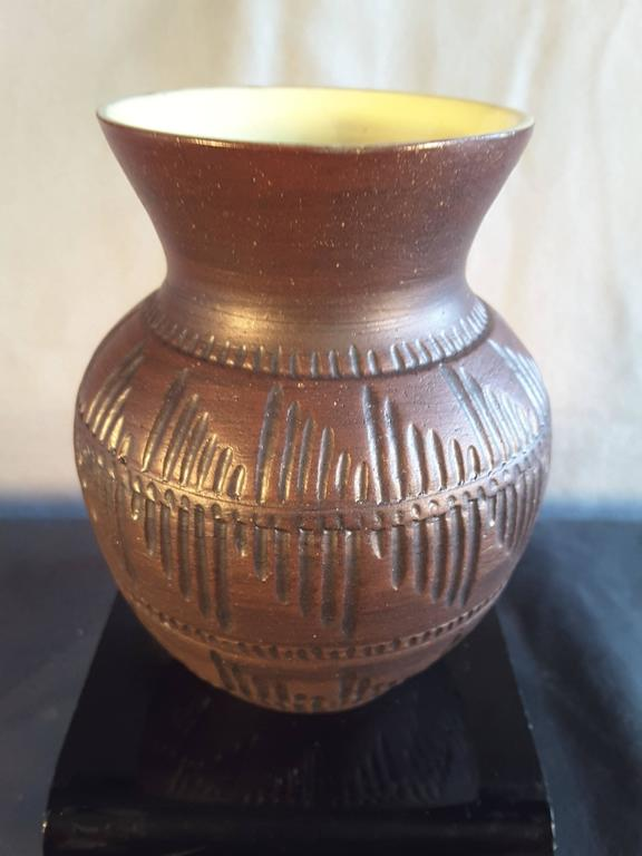 Six Nations Native American Pottery Vase With Yellow