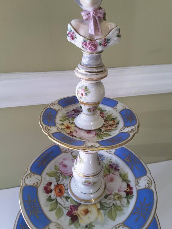 Victorian Rare Paris Figural Porcelain Three-Tier Dessert Tazza, circa 1850 For Sale