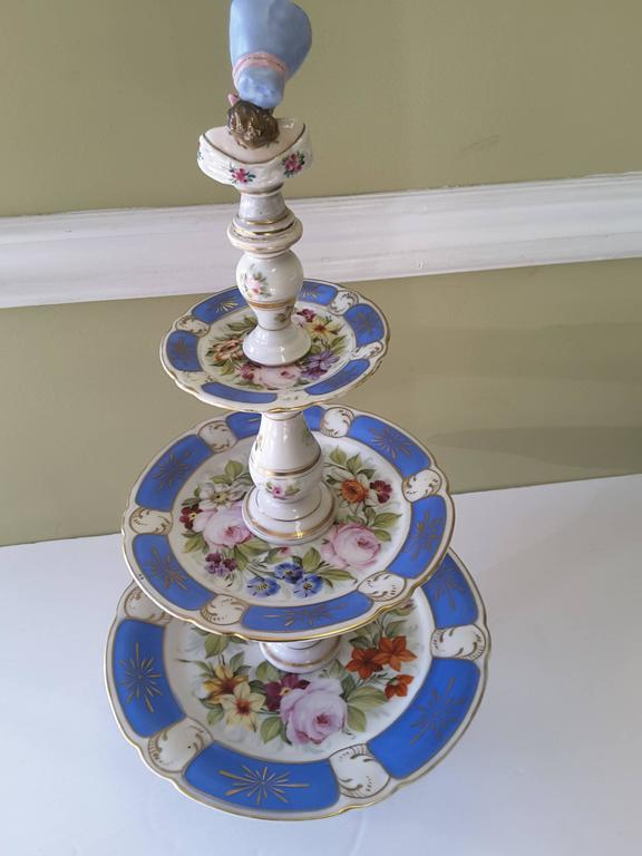 19th Century Rare Paris Figural Porcelain Three-Tier Dessert Tazza, circa 1850 For Sale