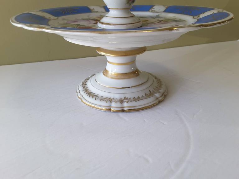 Rare Paris Figural Porcelain Three-Tier Dessert Tazza, circa 1850 For Sale 1