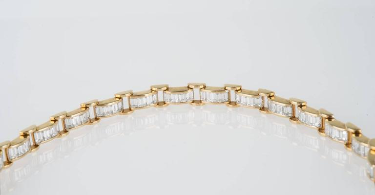 20th Century 6.85 Carat & 18K Gold, GIA Certified Diamond Bracelet in a Chain Link Style For Sale