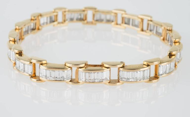 6.85 Carat & 18K Gold, GIA Certified Diamond Bracelet in a Chain Link Style For Sale 2
