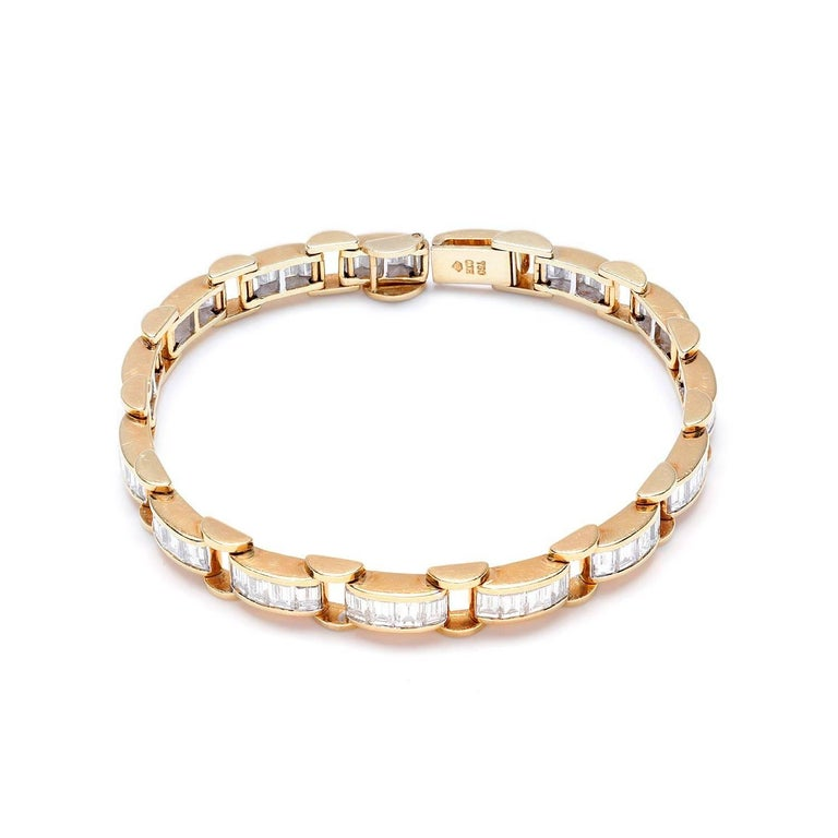 6.85 Carat & 18K Gold, GIA Certified Diamond Bracelet in a Chain Link Style For Sale 3